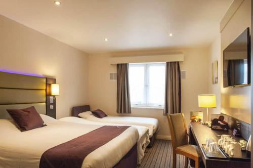 Premier Inn Birmingham Central - Hagley Road photo 12