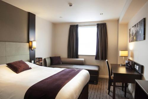 Premier Inn Birmingham Central - Hagley Road photo 16