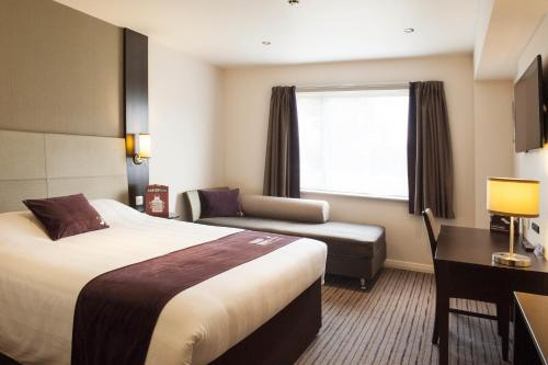 Premier Inn Birmingham Central - Hagley Road photo 15