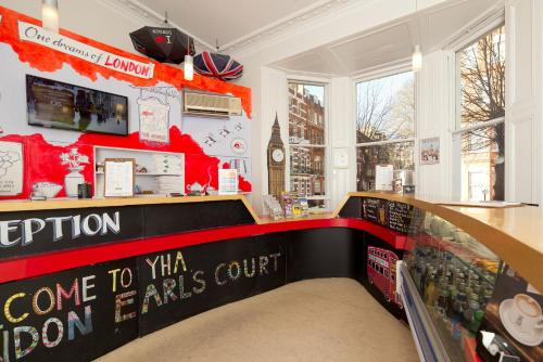 YHA London Earl's Court Photo