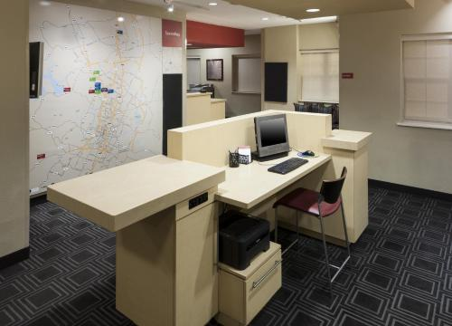 TownePlace Suites by Marriott Austin Northwest/Arboretum photo 2