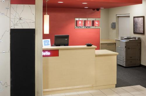 TownePlace Suites by Marriott Austin Northwest/Arboretum photo 3