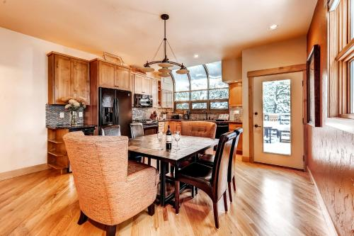 Cabin Creek Townhome by Colorado Rocky Mountain Resorts Photo