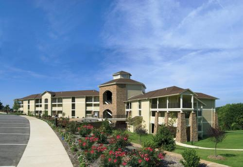 Lodge of Four Seasons Golf Resort, Marina & Spa Photo