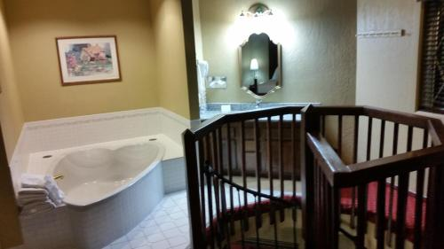 Best Western Cantebury Inn & Suites