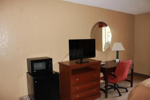 Fairview Inn and Suites Photo