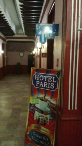 Hotel Paris Photo
