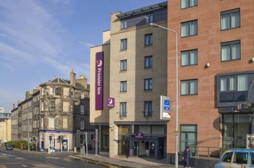 Premier Inn Edinburgh Central photo 5