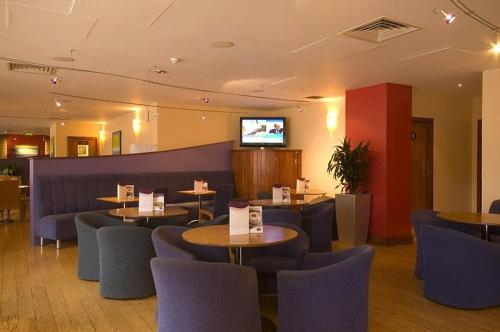Premier Inn Edinburgh Central photo 8