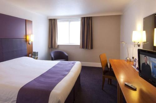 Premier Inn Edinburgh Central photo 11