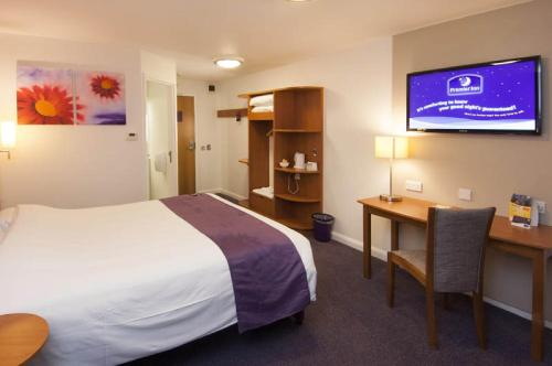 Premier Inn Edinburgh Central photo 15