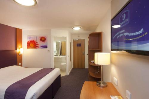 Premier Inn Edinburgh Central photo 16
