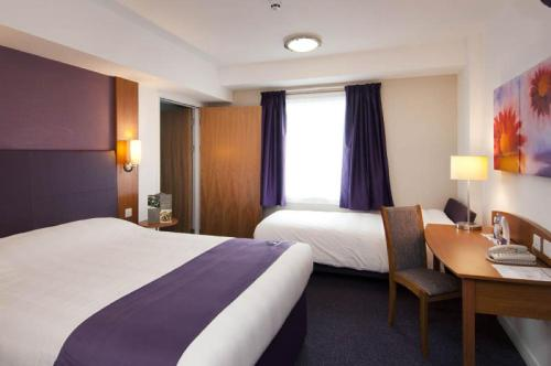 Premier Inn Edinburgh Central photo 20