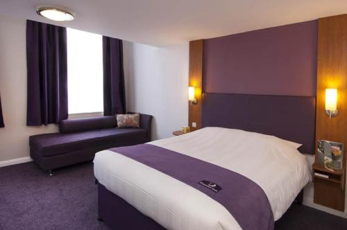 Premier Inn Edinburgh Central photo 22