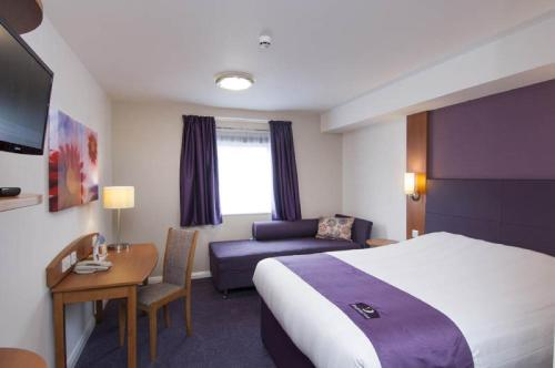 Premier Inn Edinburgh Central photo 23