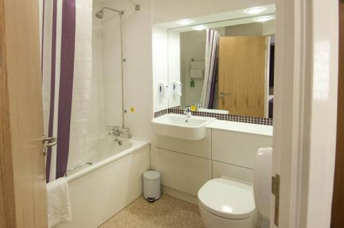 Premier Inn Edinburgh East photo 7