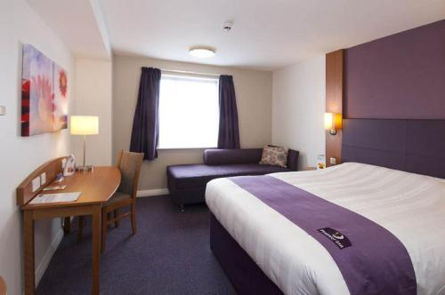 Premier Inn Edinburgh East photo 8