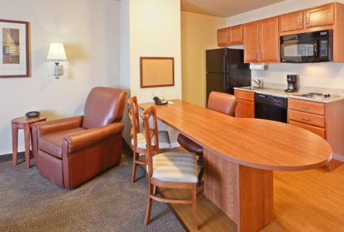 Candlewood Suites Fayetteville Photo