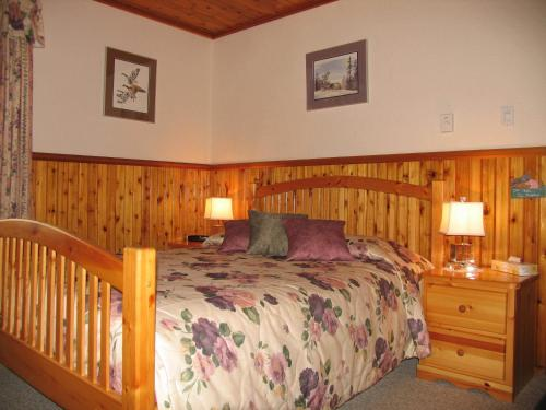 Blue Grouse Country Inn B&B Photo