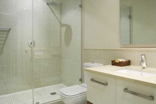 Marine Square Luxury Holiday Suites Photo