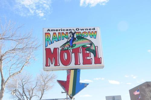 Rainbow Motel Photo