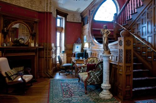 Castle Marne Bed & Breakfast Photo