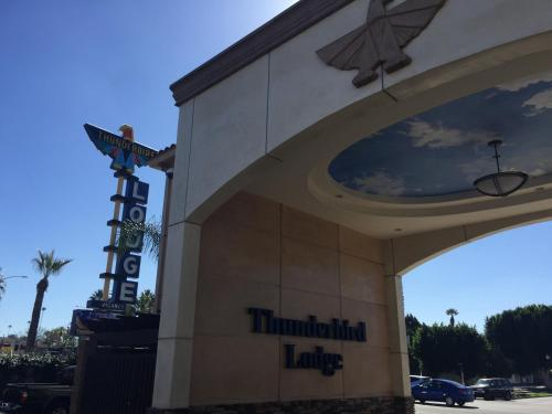Picture of Thunderbird Lodge