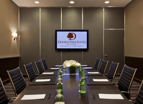 DoubleTree Suites by Hilton NYC - Times Square photo 14