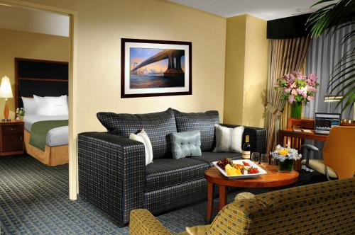 DoubleTree Suites by Hilton NYC - Times Square photo 25