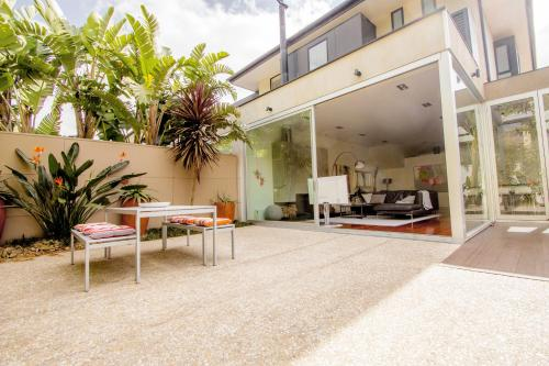 Mitford St - A Luxico Holiday Home