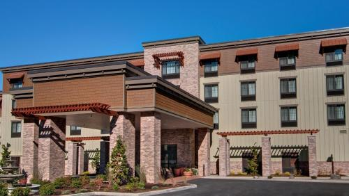 Picture of Hampton Inn & Suites Astoria