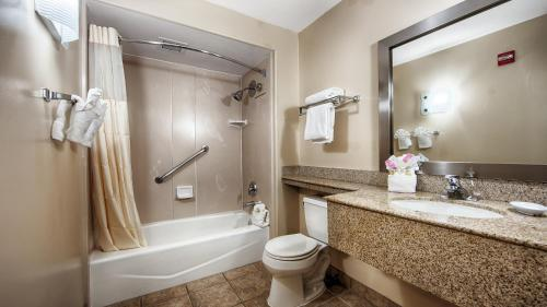 Best Western Plus Capitola By-The-Sea Inn & Suites - Capitola, CA 95010
