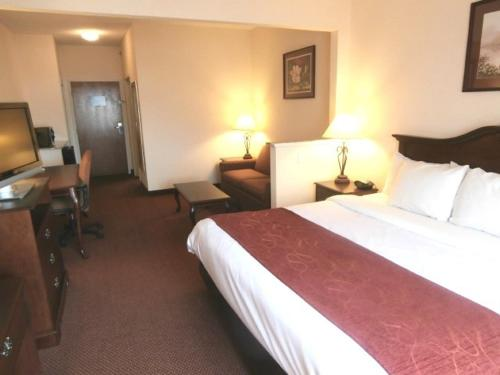 Comfort Suites - Jefferson City Photo