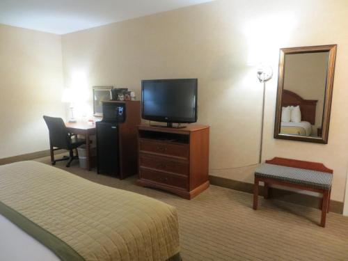 Baymont Inn & Suites Indianapolis West photo 26