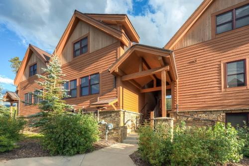Antler's Gulch Townhome by Colorado Rocky Mountain Resorts