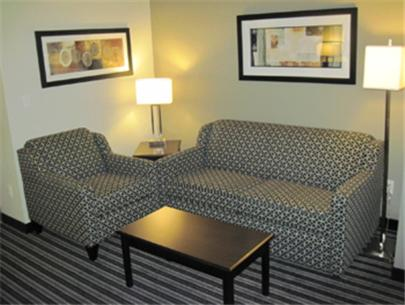 Best Western Plus Austin Airport Inn & Suites - Austin, TX 78744