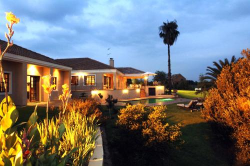 Amber Rose Country Estate Photo