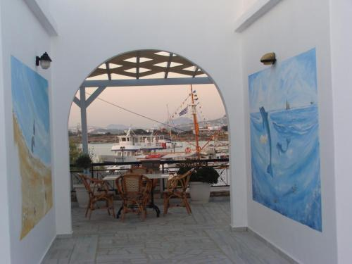 Akrogiali Studios & Rooms - Paralia Antiparou Greece