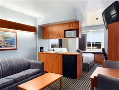 Microtel Inn and Suites Dallas Garland