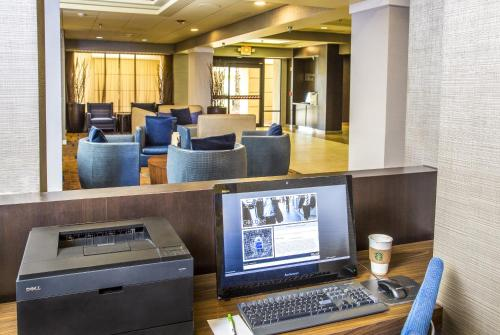 Courtyard by Marriott Riverside UCR/Moreno Valley Area Photo