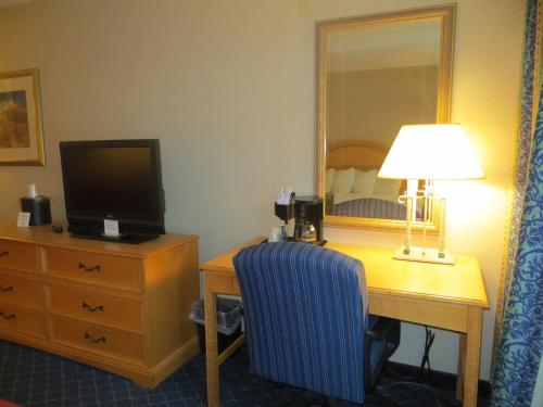 Rodeway Inn North Conference Center Photo