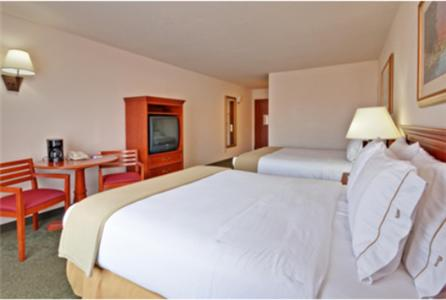 Holiday Inn Express & Suites Salamanca Photo