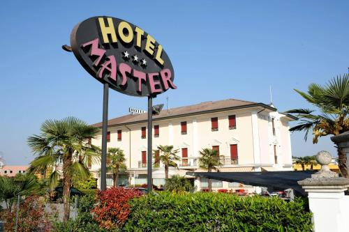 Hotel Master