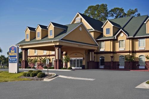 Best Western Plus Bradbury Inn & Suites