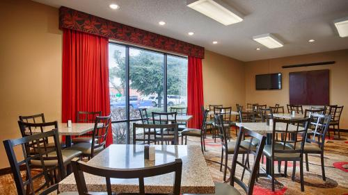 Best Western Executive Inn Round Rock Photo