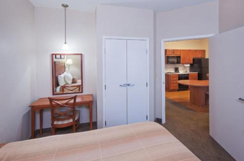 Candlewood Suites Owasso Photo