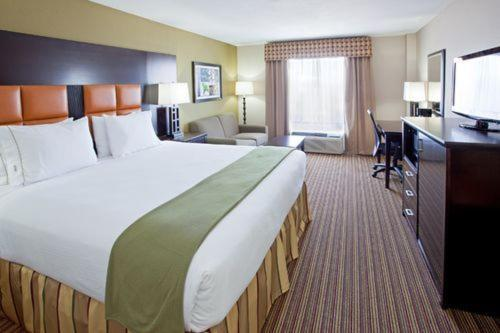 Holiday Inn Express Arlington Interstate 20 Parks Mall Photo