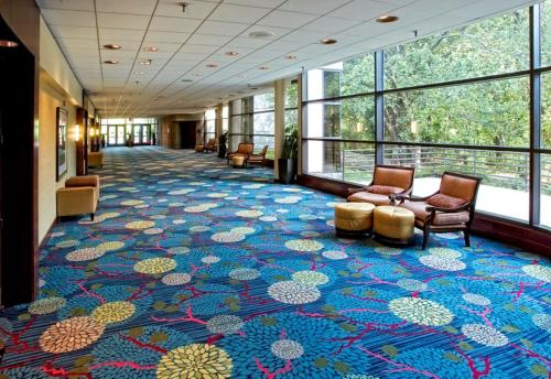 DoubleTree by Hilton Overland Park - Corporate Woods Photo