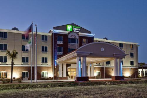 Hospitality Inn & Suites Photo