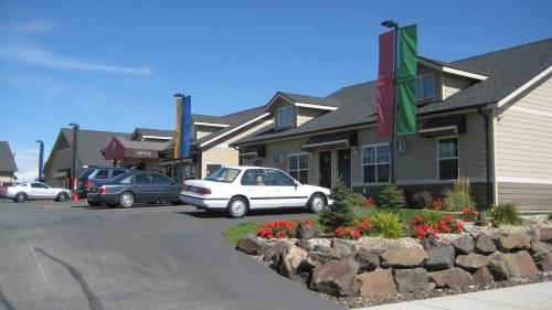 Stratford Suites Spokane Airport Photo